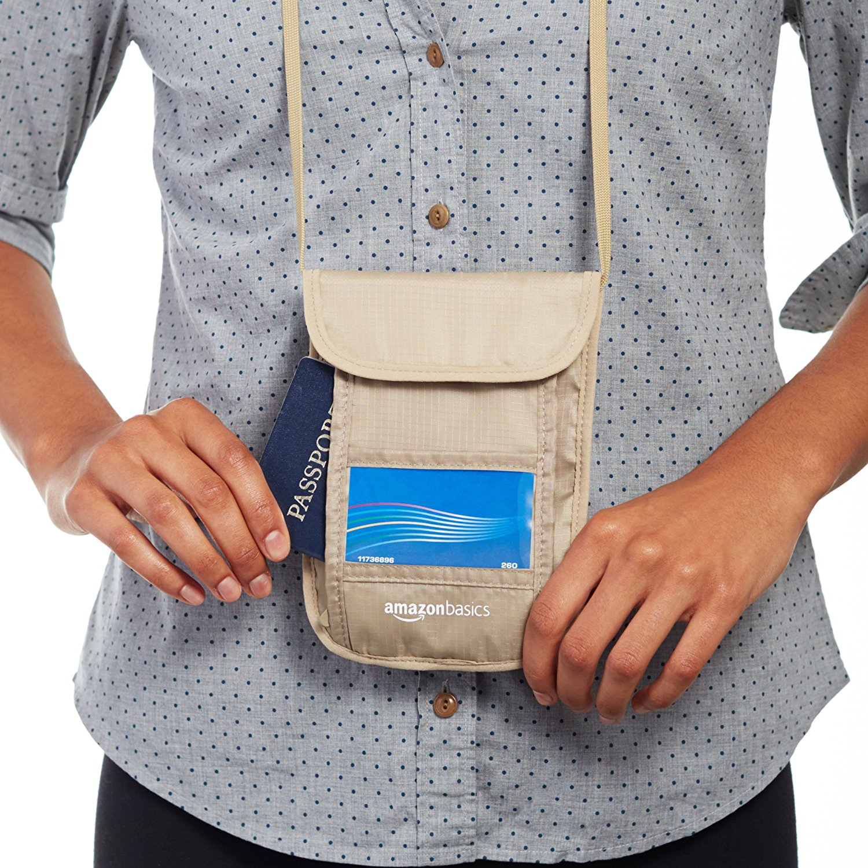 7c2febe360 Tracolla antiscippo da viaggio con protezione RFID - ViaggioIdeale