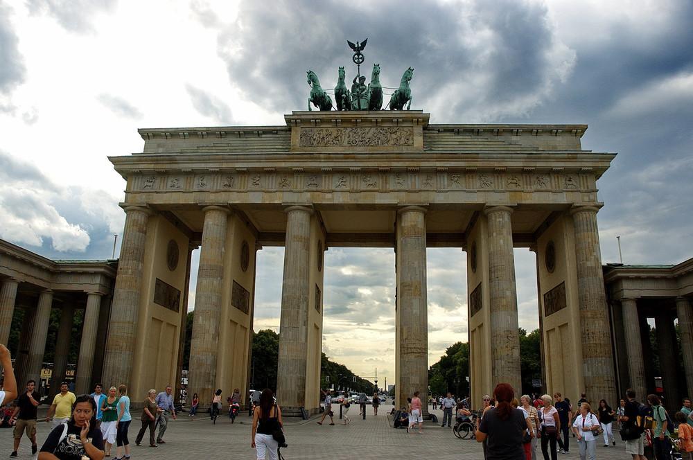 Un giro a mitte vivi l 39 eccentricit di berlino - Berlino porta di magdeburgo ...