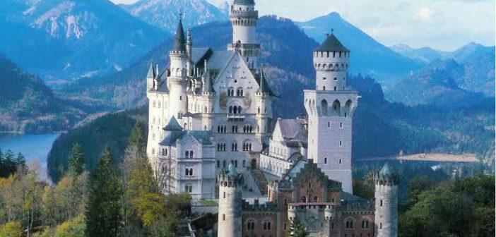 Castello di Neuschwanstein nei pressi di Füssen