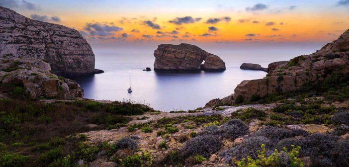 Dwejra Point - Fungus Rock